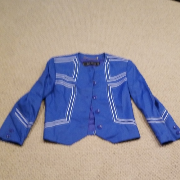 louis Feraud Jackets & Blazers - Linen short blazer